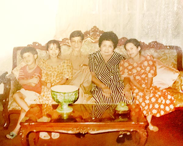 Lolo Pedro and Lola Tacing with their Grandchildren