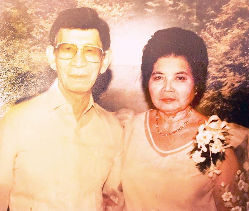 Lolo Pedro and Lola Tacing